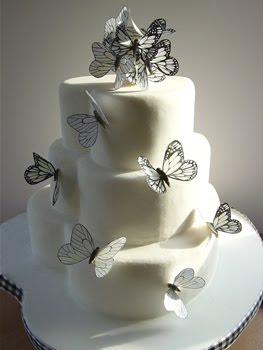 pastel de boda con mariposas